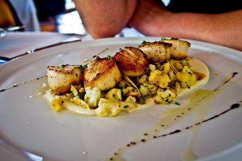 Redd Restaurant, Yountville - Caramelized diver scallops, cauliflower puree, almonds, balsamic reduction